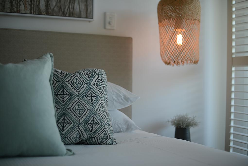 Bedroom East On Byron resort